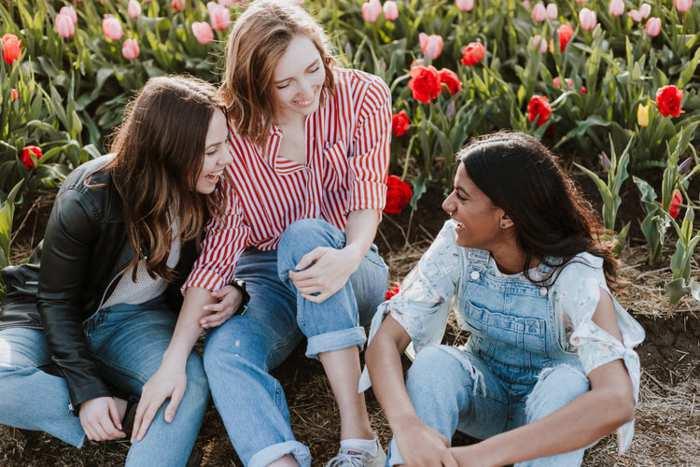 Come fare amicizia con un ragazzo, una ragazza, a scuola e al mare