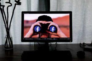 Come avviare una conversazione e cosa scrivergli per conquistare un ragazzo su Facebook