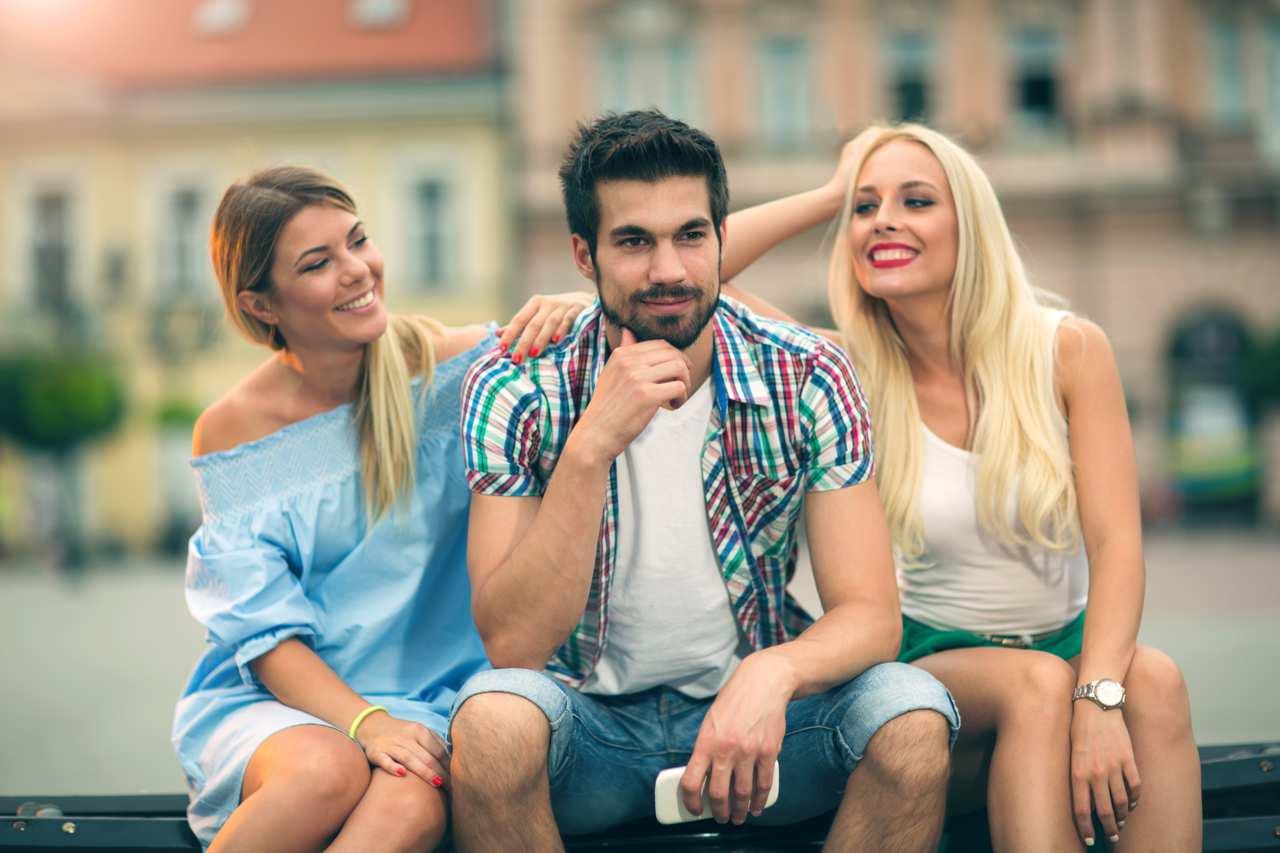 Poliamore: cos'è, psicologia e cause